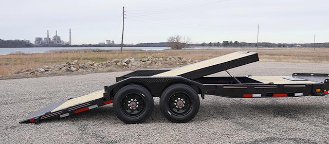 Model HDT tilt trailer with split deck