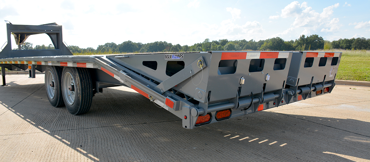 Diamond C FMAX208 Fleetneck Engineered Beam Gooseneck Trailer