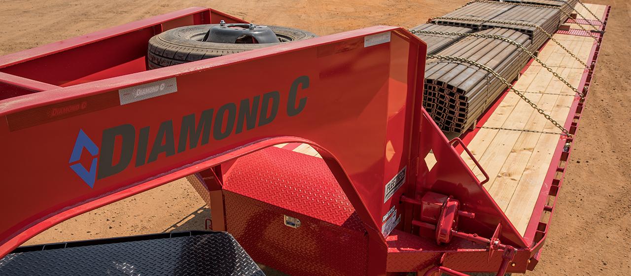 Diamond C FMAX212 Fleetneck Engineered Beam Gooseneck Trailer