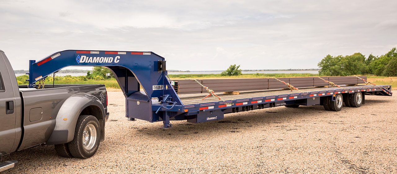 Diamond C FMAX216 Fleetneck Engineered Beam Gooseneck Trailer