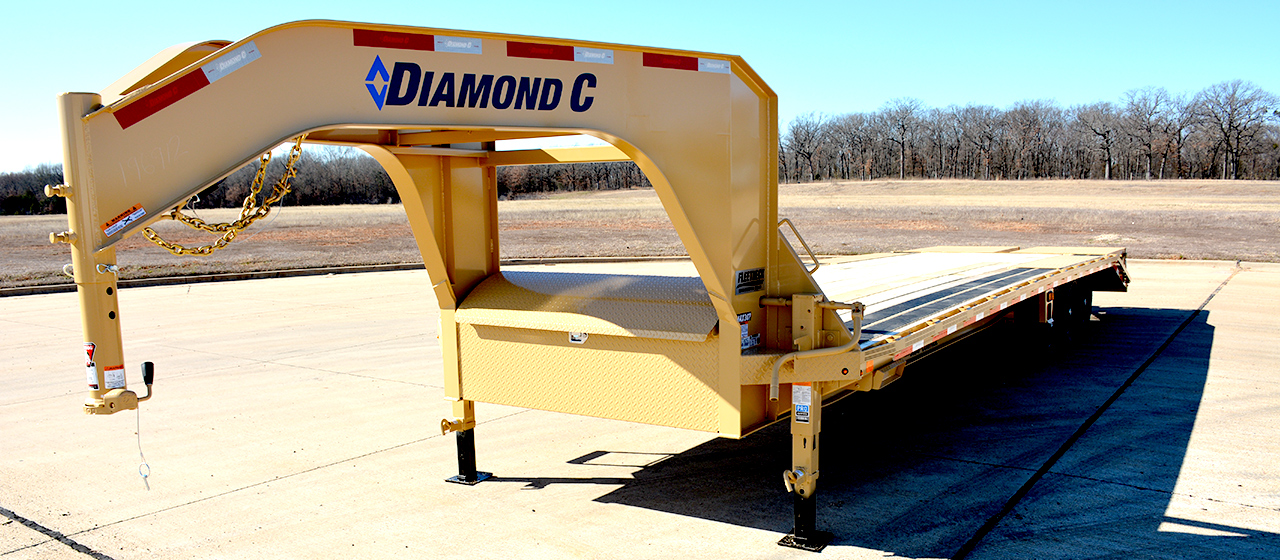 Diamond C FMAX307 Fleetneck Engineered Beam Gooseneck Trailer