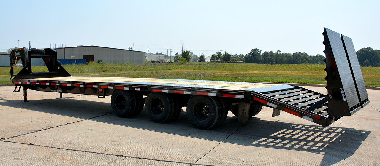 Diamond C FMAX310 Fleetneck Engineered Beam Gooseneck Trailer