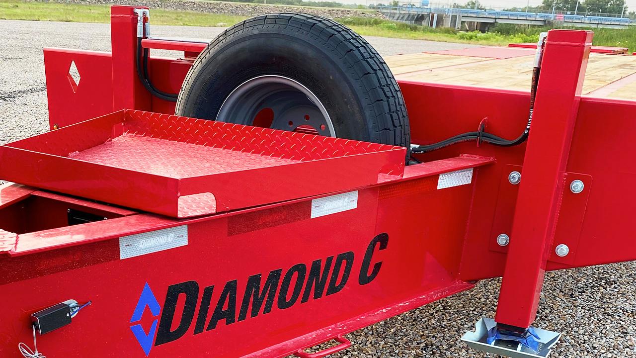 PX210 with hydraulic jacks
